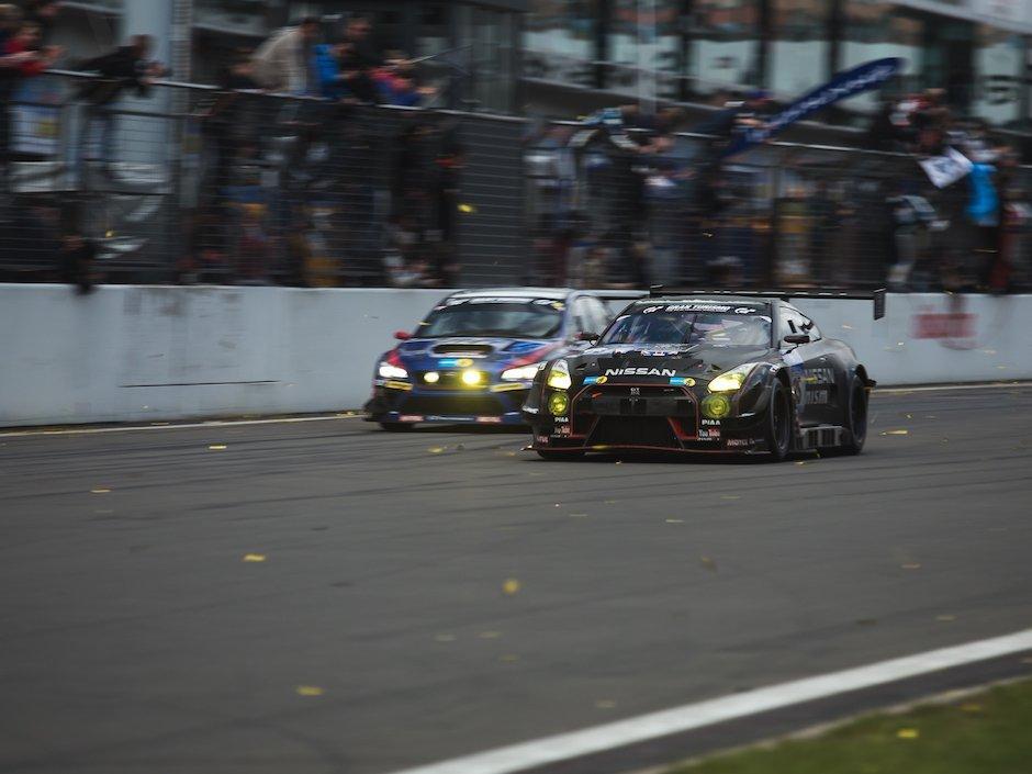 Nissan-GT-R-GT3-N24h-Zieleinlauf
