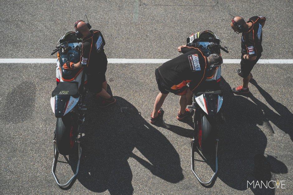 Athina-Forward-Racing-Box-Above
