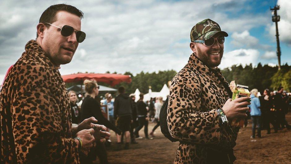 Hurricane-Festival-2015-Leoparden-Bademantel