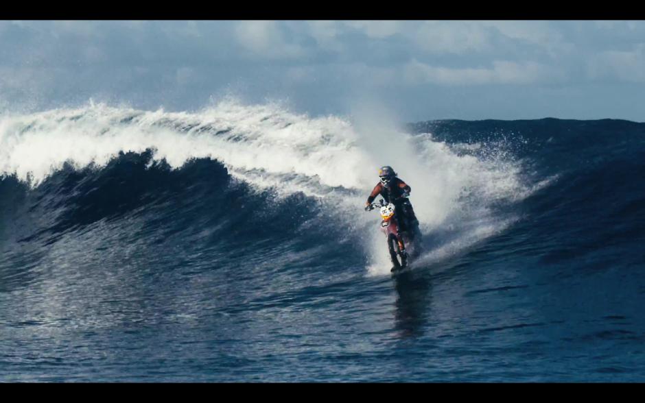 Motocross-Surfen: Mit Robbie Maddison Wellenreiten auf Tahiti