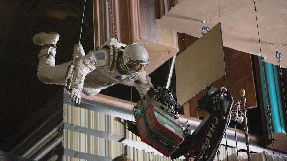 interstellar-tesseract-cooper-hanging