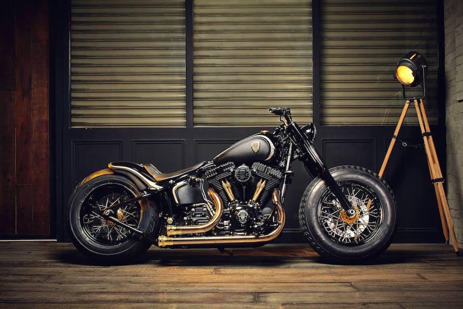 """Harley Softail Slim """"Crowned Stallion"""" von Rough Crafts"""