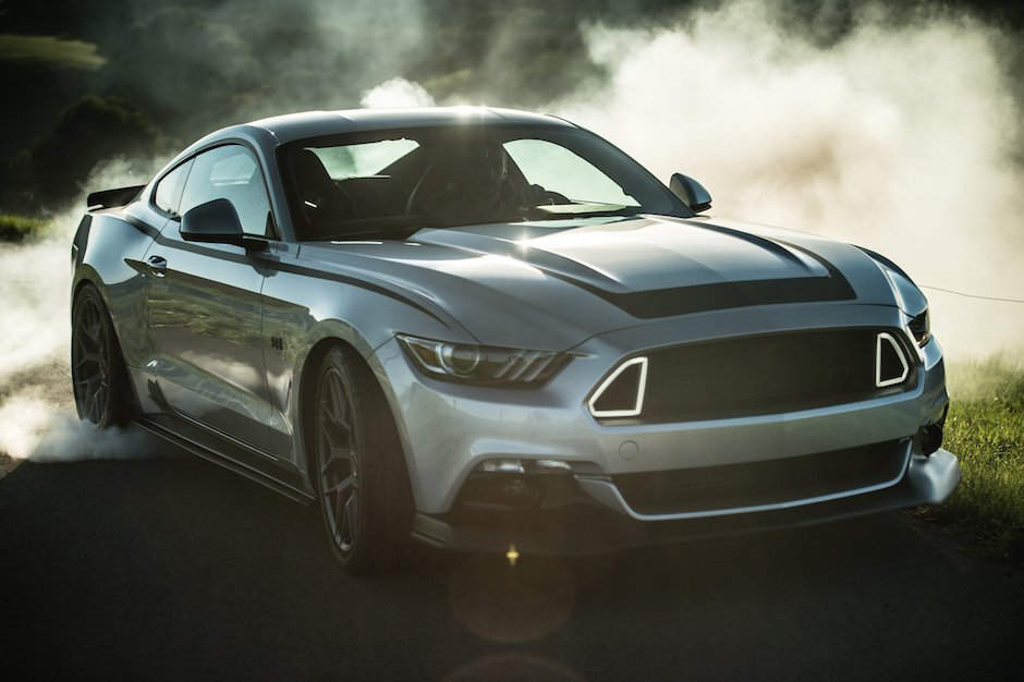 Ford Mustang GT RTR Drift Alok Paleri Burnout Silber LED Smoke Qualm Abrieb Sonne Reflektion