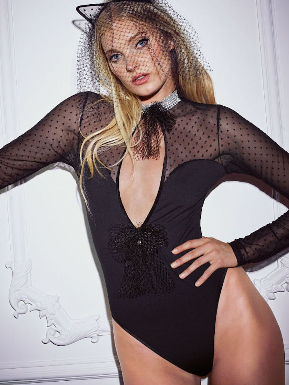 victorias-secret-elsa-hosk-halloween-cat