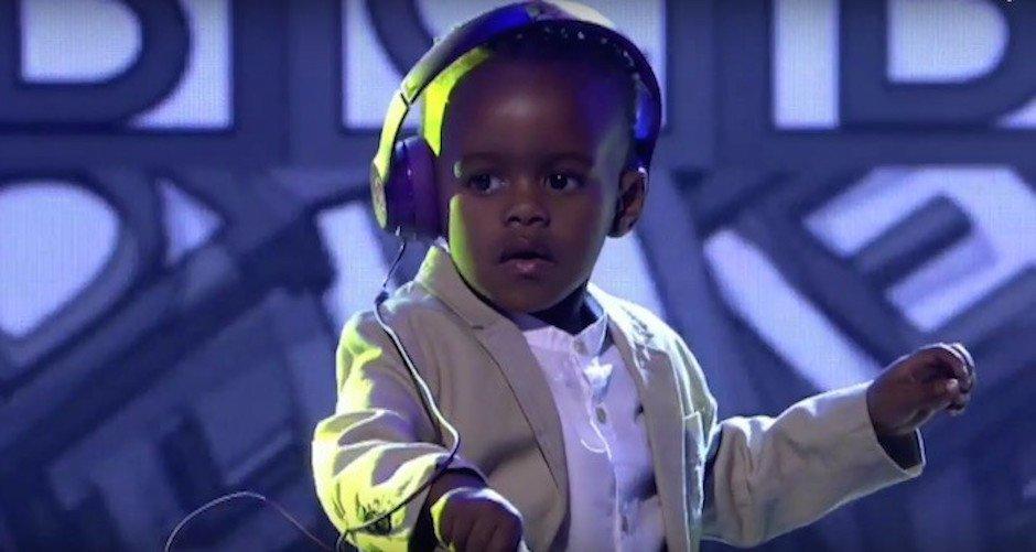 Drei jähriger DJ Arch Jnr verblüfft Jury und gewinnt SA's Got Talent