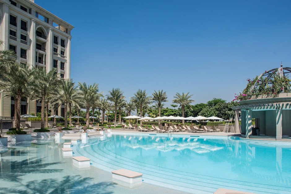 palazzo-versace-dubai-pool