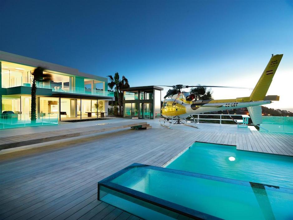 Chameleon-Villa Son Vida Mallorca Helikopterlandeplatz Heliport Terrasse Balkon Pool Traumhaus Villa Luxus