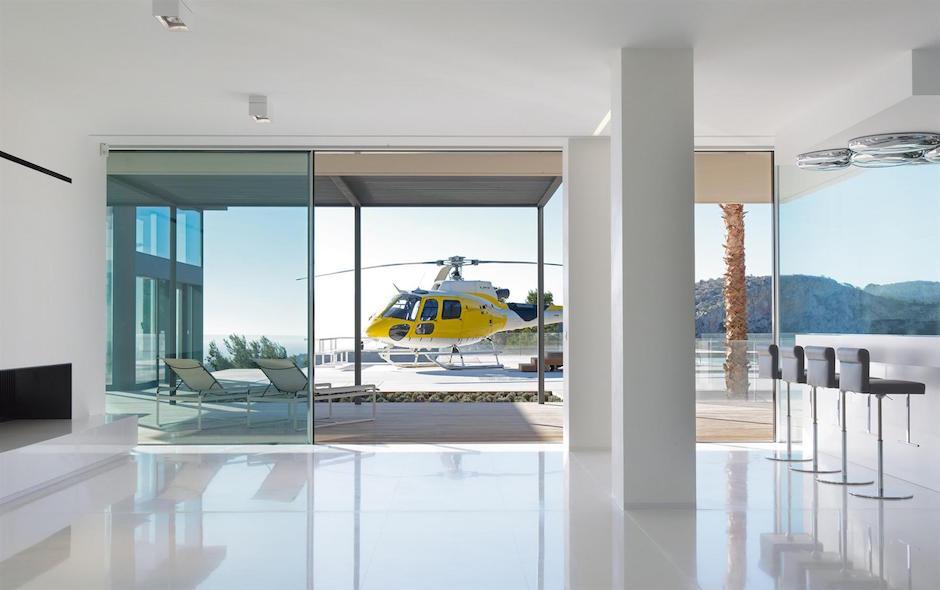 Chameleon Villa Son Vida Wohnzimmer Livingroom Helikopter Landeplatz VIP Luxus Traumhaus Terrasse