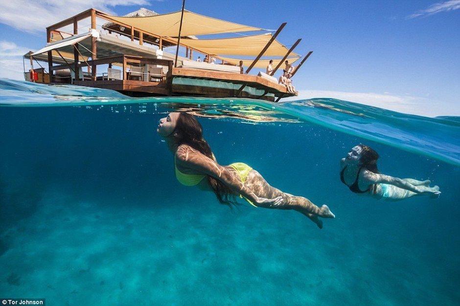 Auf dem Wasser schwebendes Restaurant auf den Fijis: Willkommen auf Cloud 9