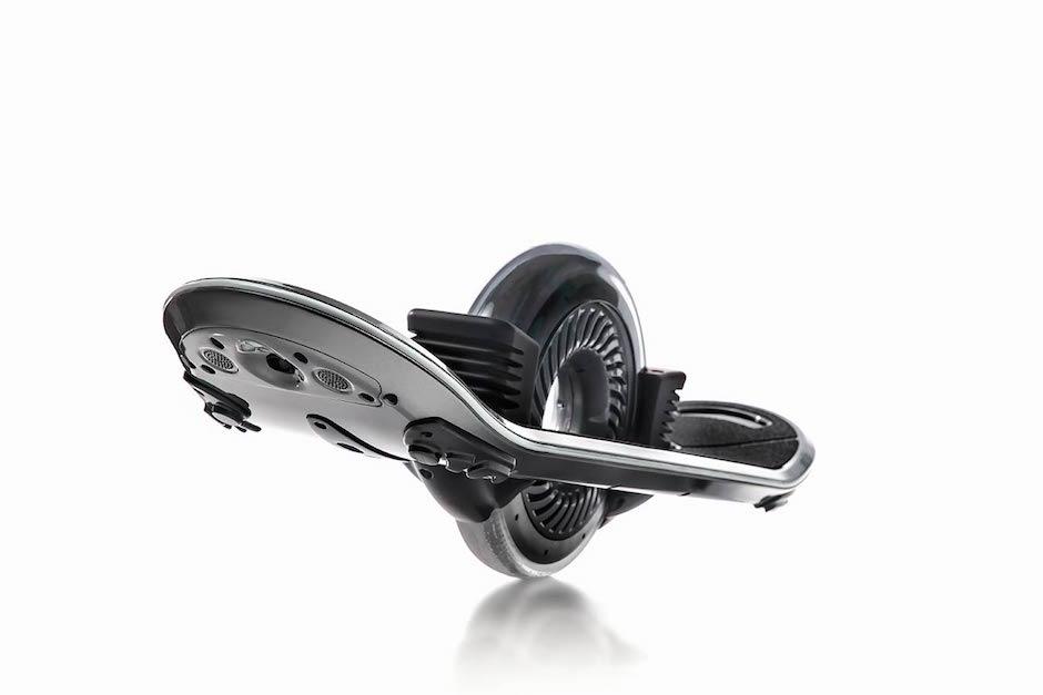 Hoverboard Technologies stellt einrädriges Skateboard mit Extras vor