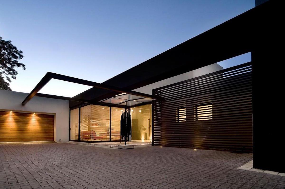 Moss-Oaklands-Residence-Nico-van-der-Meulen-Architects-Einfahrt
