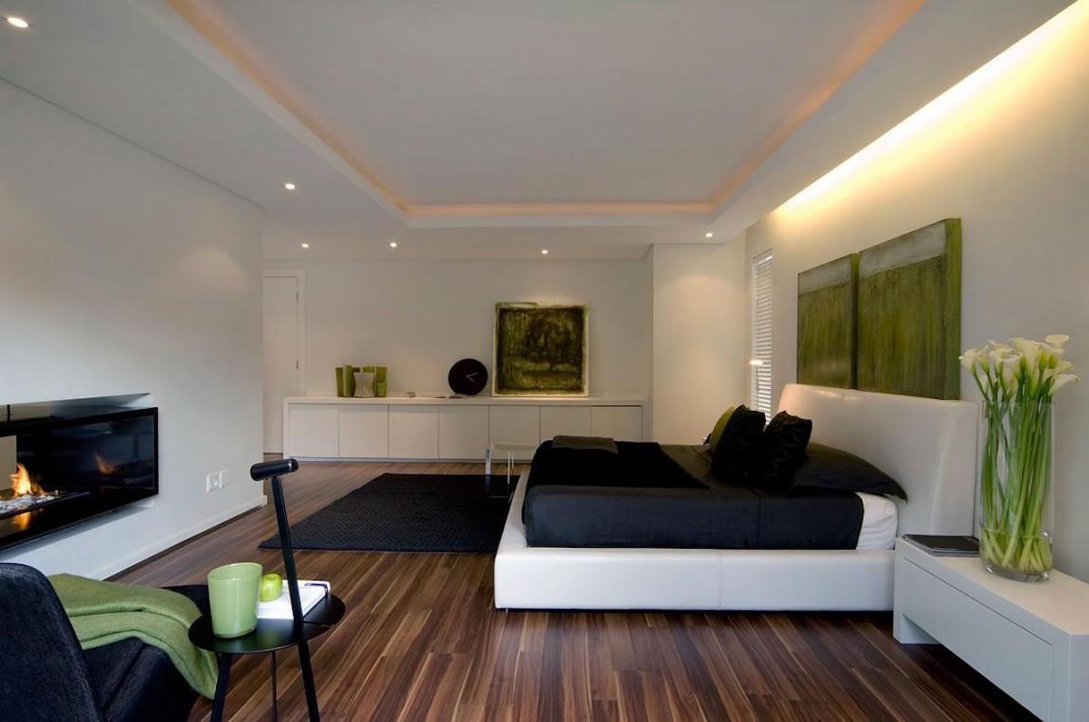 Moss-Oaklands-Residence-Nico-van-der-Meulen-Architects-Master-Bedroom