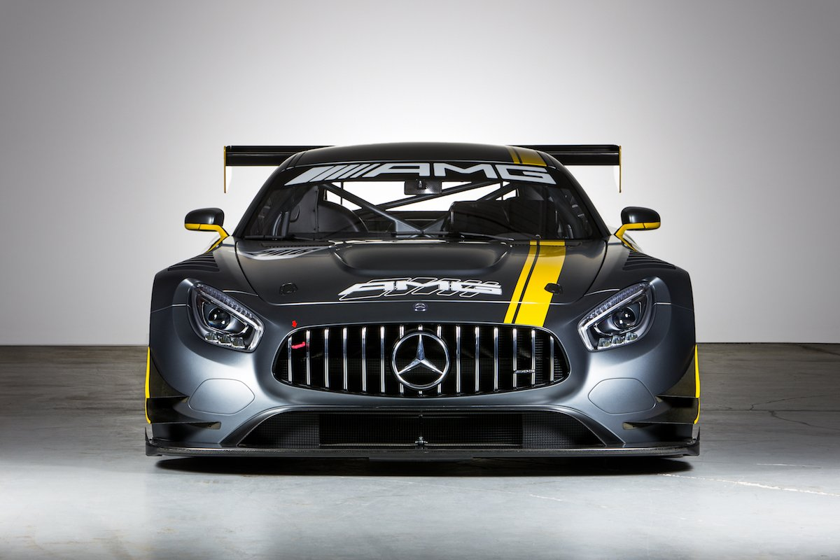 "Der Mercedes-AMG GT3 inspiriert das leistungsfähigste offene Boot überhaupt, das Cigarette Racing Team 41' SD GT3 Boot, hergestellt vom Cigarette Racing Team. Vorgestellt auf der internationalen Boat Show in Miami, am 11. Februar 2016.// Mercedes-AMG GT3 inspires the most powerful ""Open Performance"" boat ever, called Cigarette Racing Team 41' SD GT3 boat, produced by the Cigarette Racing Team. Presented on the international Boat Show in Miami on February, 11, 2016."