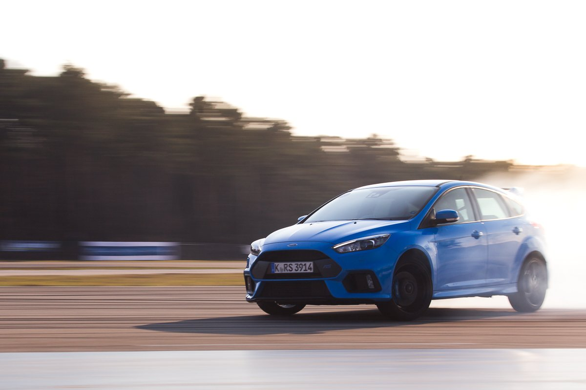 Ford Focus RS 2016 Drift Action Sideways Smoke Rennstrecke