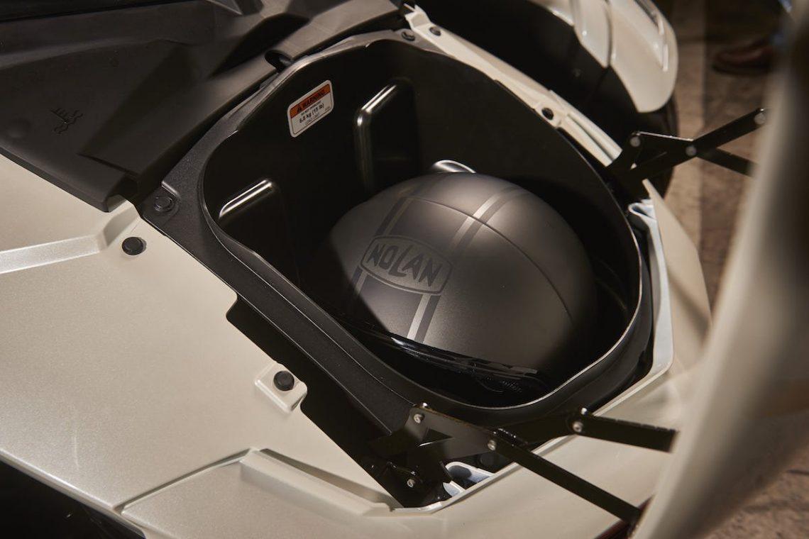 Can-Am-Nolan-N21-Helm-Staufach
