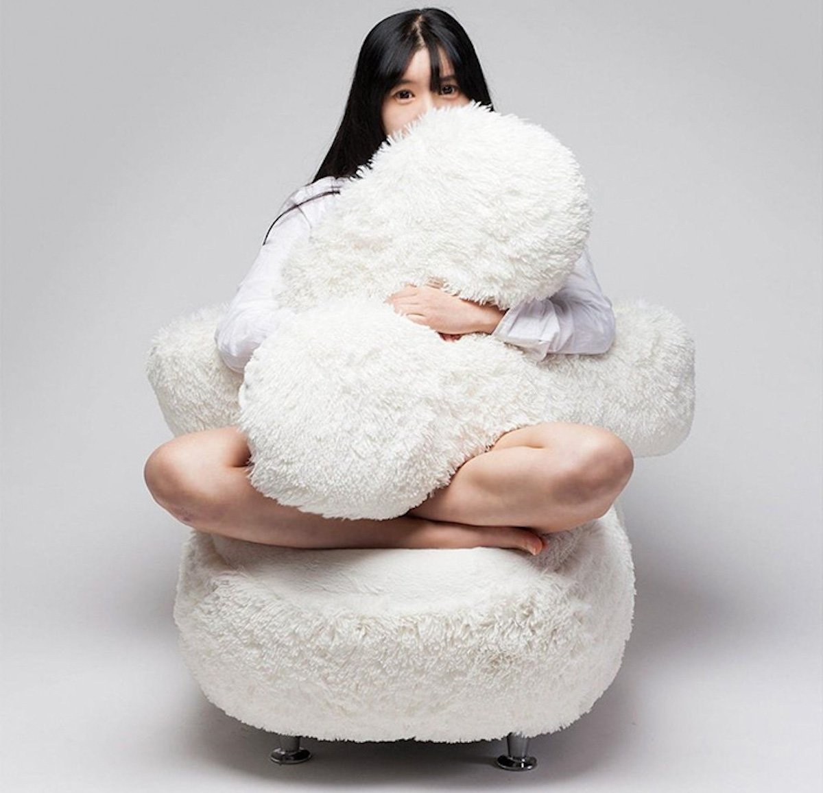 free-hug-sofa-eun-kyoung-lee-white