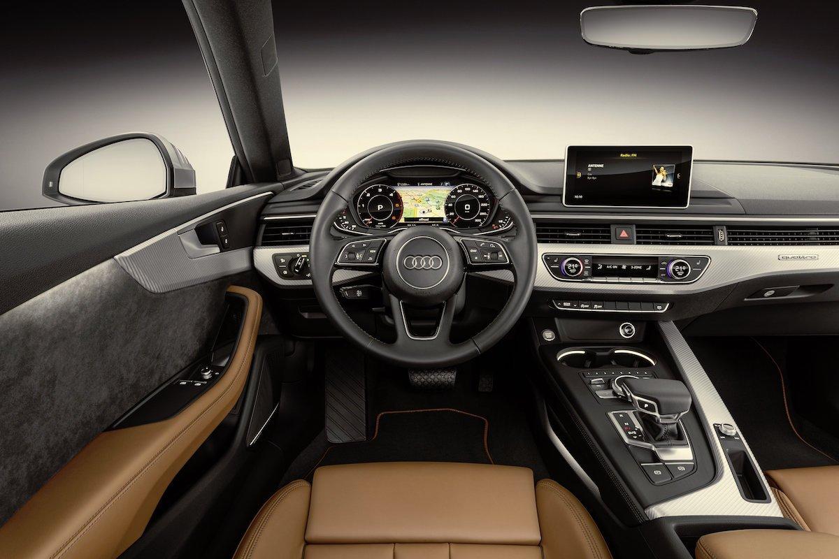 Cockpit Audi A5 Innenraum quattro Interieur Interior Lenkrad sline