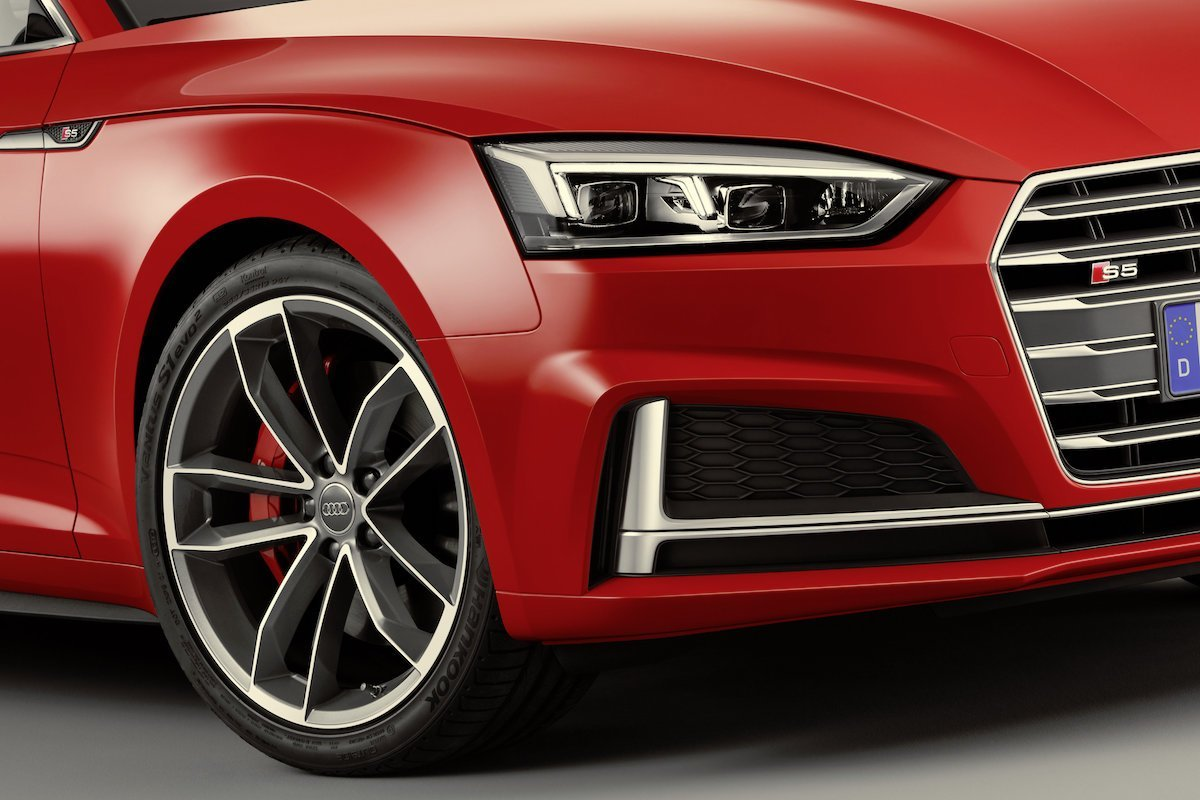 Detail, Colour: Misano Red Audi S5 Front Felgen rot Tagfahrlicht Xenon LED