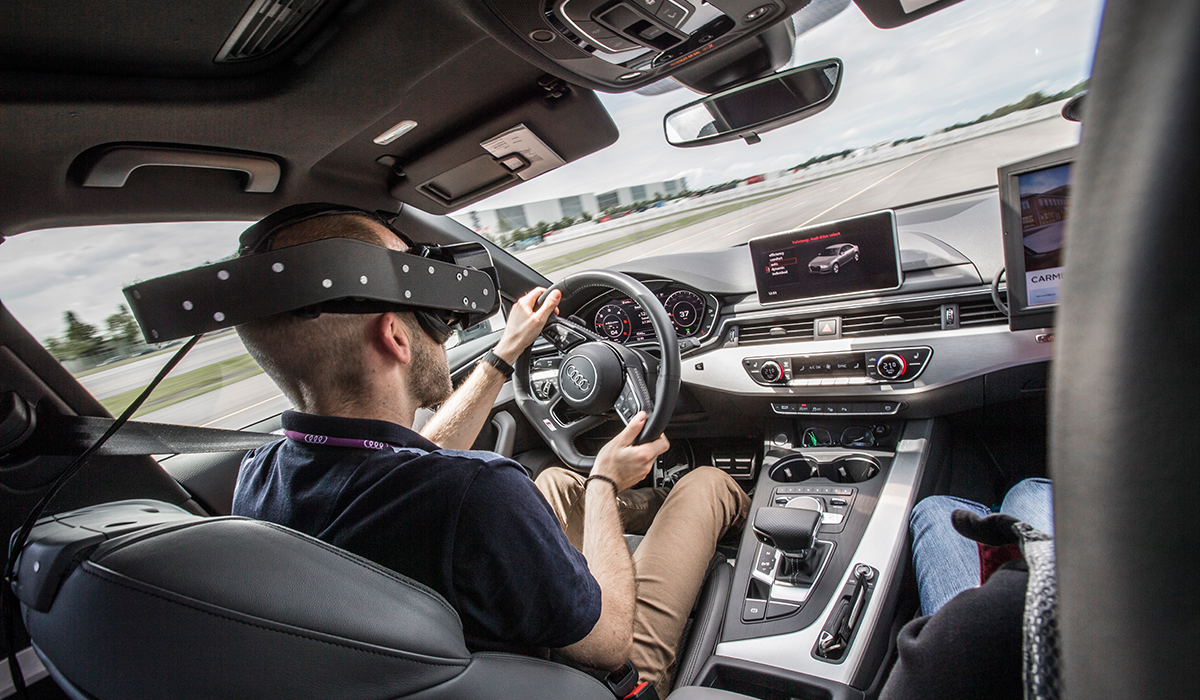 Audi-ViTrac-Experience-virtual-reality-innen-car