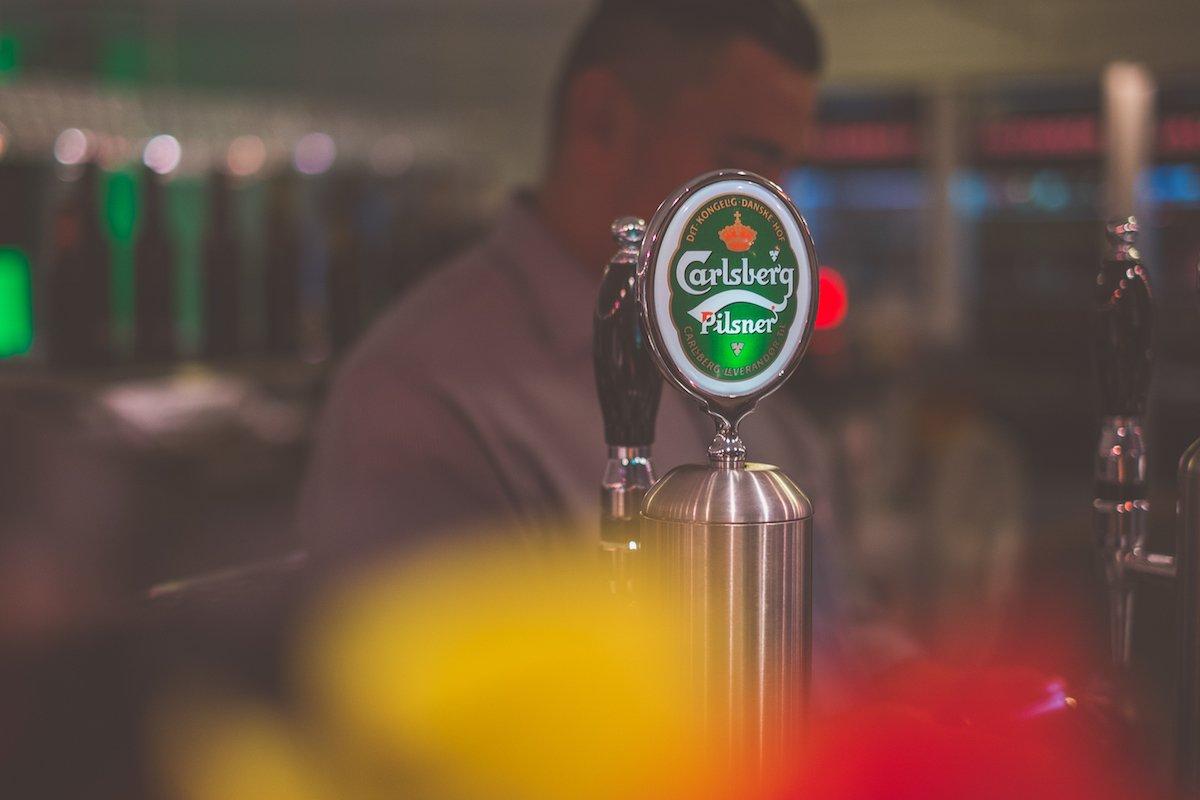 Carlsberg Pilsner Bier Pils Kopenhagen Ausschank Bar Draft Machine Zapfhahn