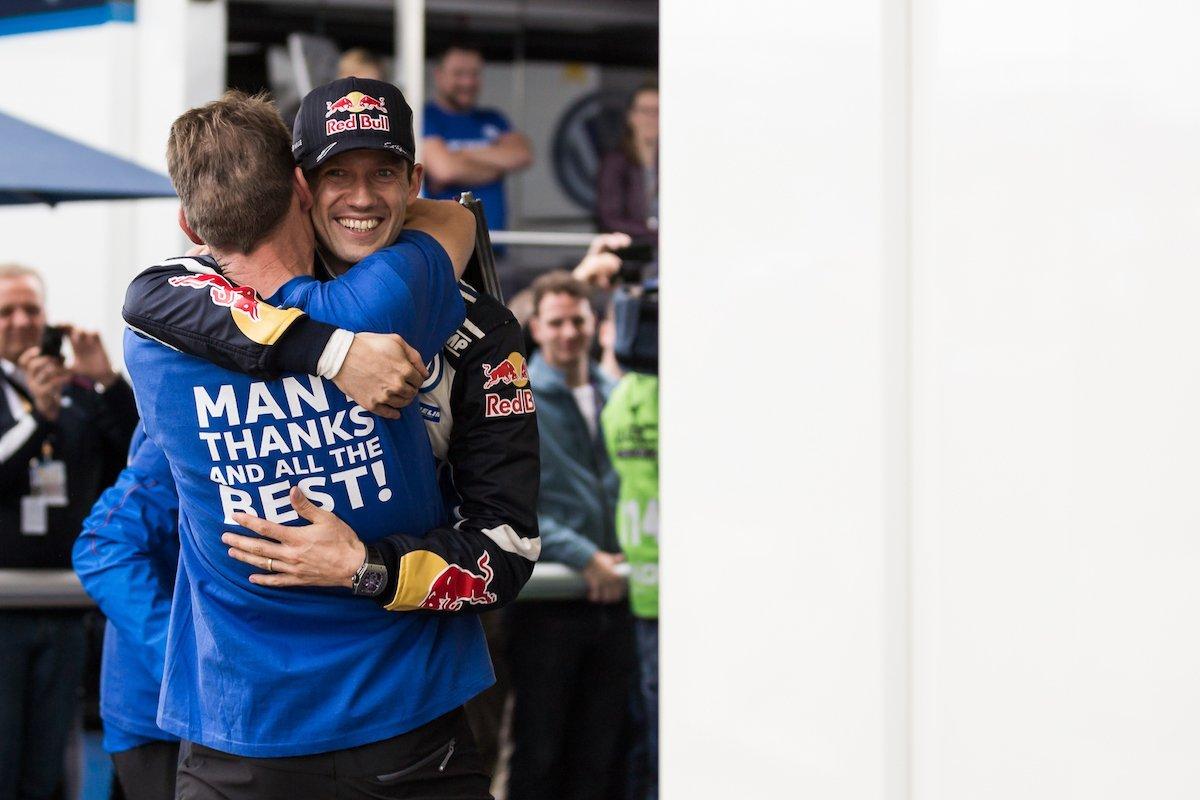 Sebastien Ogier Celebrating Feiern Jubel Umarmung Team Volkswagen Motorsport