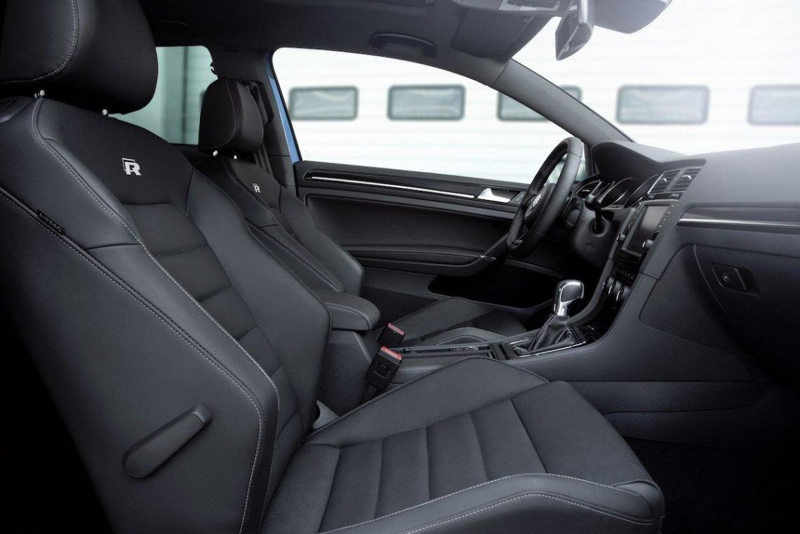 Volkswagen Golf R Innenraum Lordosenstütze Sportsitze schwarz Rennstrecke BB Bilster Berg