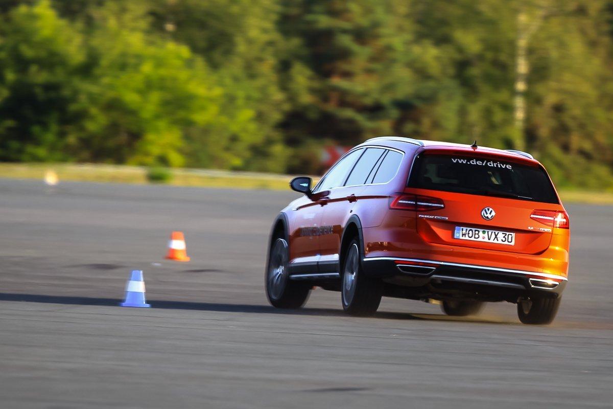 VW Passat GTE Elchtest Ausweichen Dynamik Ausbrechen des Hecks