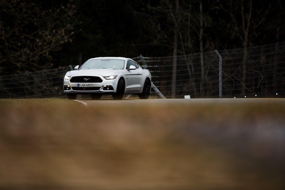Ford Mustang GT 5.0 421 PS Bilster Berg Rennstrecke Racetrack Silber V8 Drift Mausefalle Bilster Berg Quer Drifting 400mm