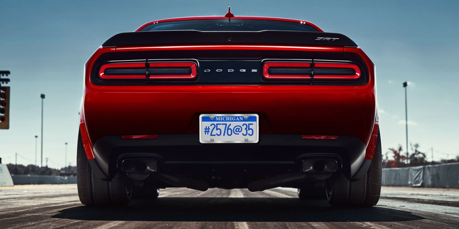 2018 Dodge Challenger SRT Demon Rear Heck Bereifung Drag Strip rot 315/40R18 Heckleuchten