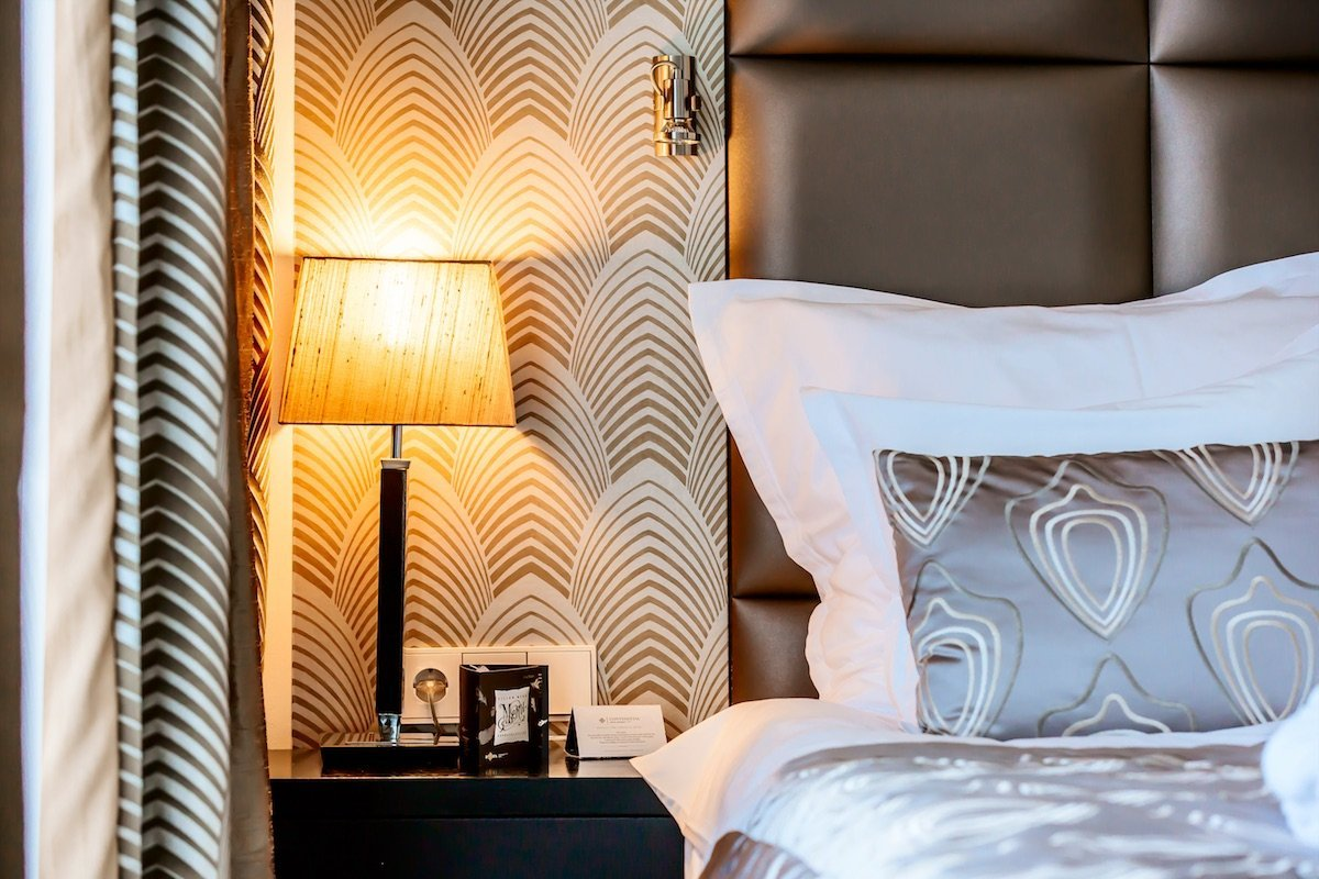 Continental Hotel Budapest Bett Lampe