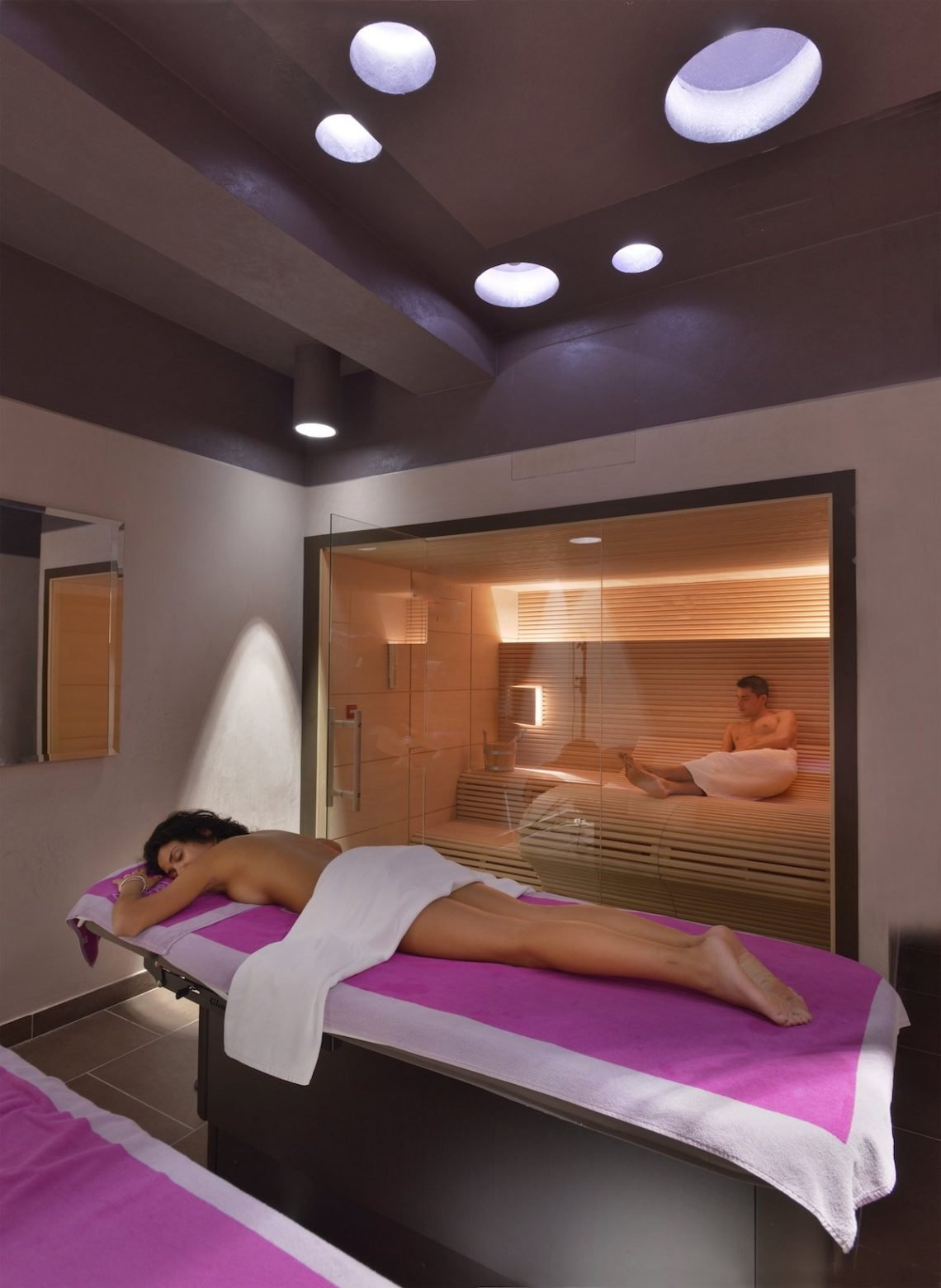Aqualux Spa Wellness Hotel Bardolino Private Spa Sauna Liege Frau Mann Relax