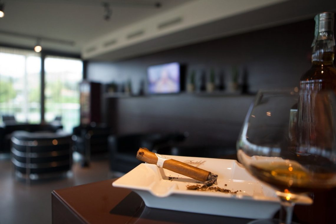 Aqualux Spa Wellness Hotel Bardolino Cigar Lounge Zigarre Cognac