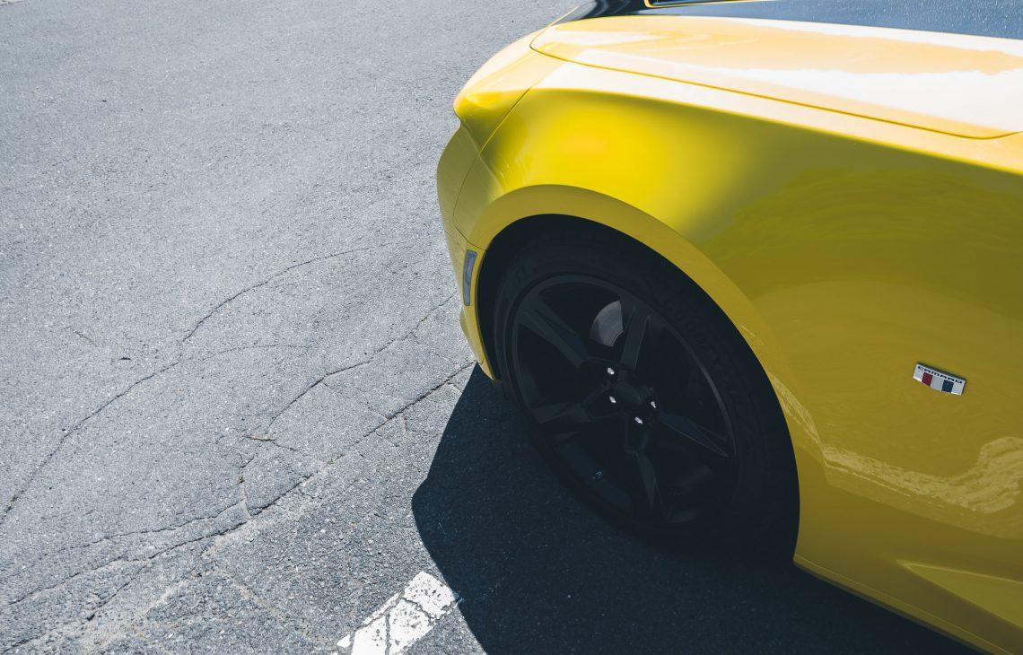 Camaro helb schwarz Felgen Kotflügel