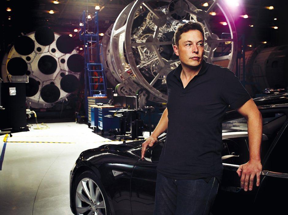 Elon Musk Portrait Tesla SpaceX Satelliten Internet Mars Kolonisierung Weltall Triebwerk