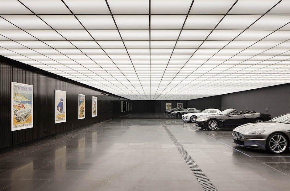 Molecule Wayne R esidence Garage Aston Martin The Dark Knight