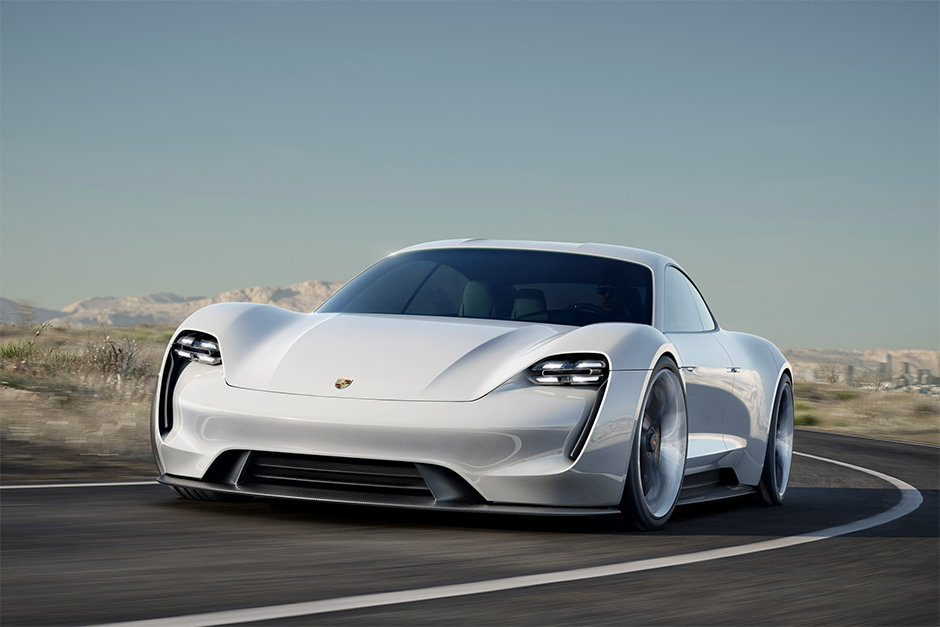 Porsche Mission E Front Landstraße Future Zukunft eAuto Elektroauto Hybrid Antrieb Elektromotor