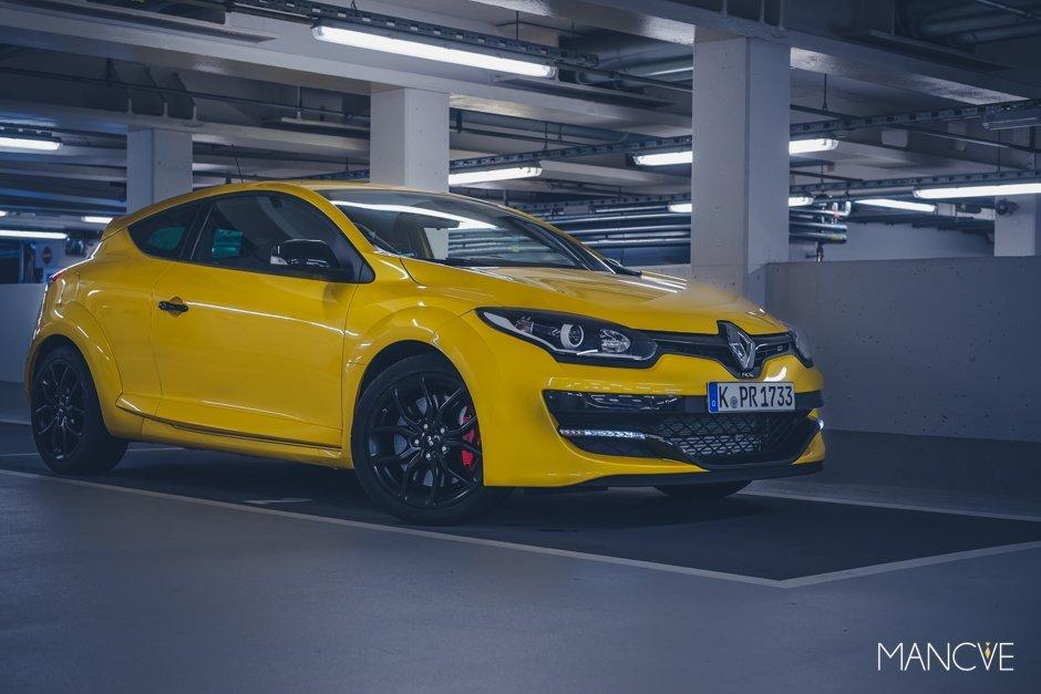 Renault Megane R.S. 275 TCe Cup Gelb Yellow Parkhaus Felgen Coupé Sportwagen