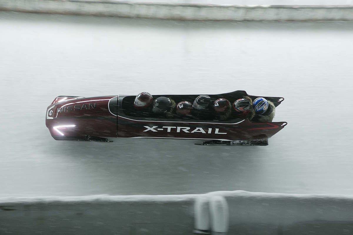 Nissan X-TRAIL 7-Sitzer-Bob 7 Seater Bobsleigh Olympia Isgl Österreich Bobbahn Rekordversuch Rekord Weltrekord