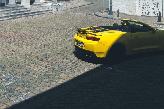 2016 Chevrolet Camaro V8 Cabriolet Bright Yellow Heck Spoiler Auspuffanlage Schatten Pflaster