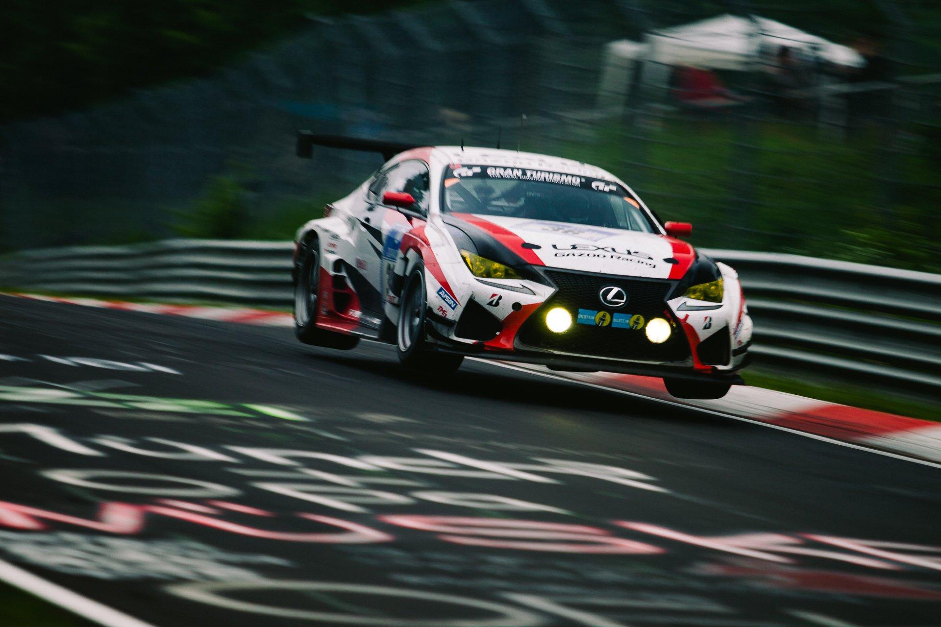 Lexus RC F GT3 Gazoo Racing 44. ADAC Zurich 24h Rennen Nürburgring Nordschleife Sprung Nebenlichter Rennwagen Airtime Pflanzgarten Tiergarten