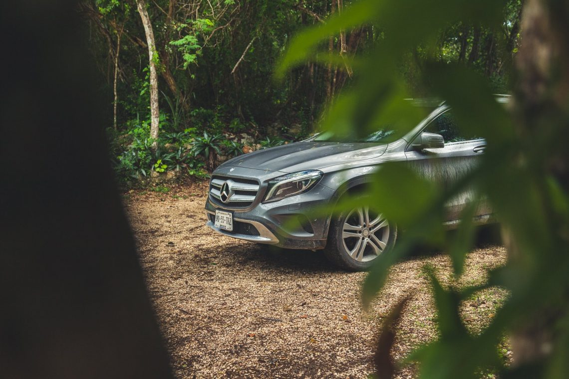 Mercedes-Benz GLA200 im Urwald