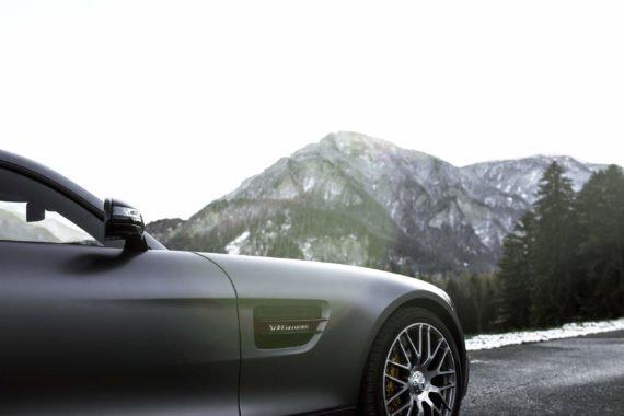 Mercedes-AMG GTS Lufteinlass Berge Schnee Alufelge