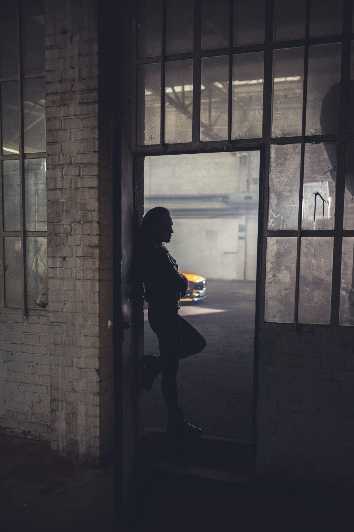 Silhouette Schatten Tür Glas Fenster Rahmen