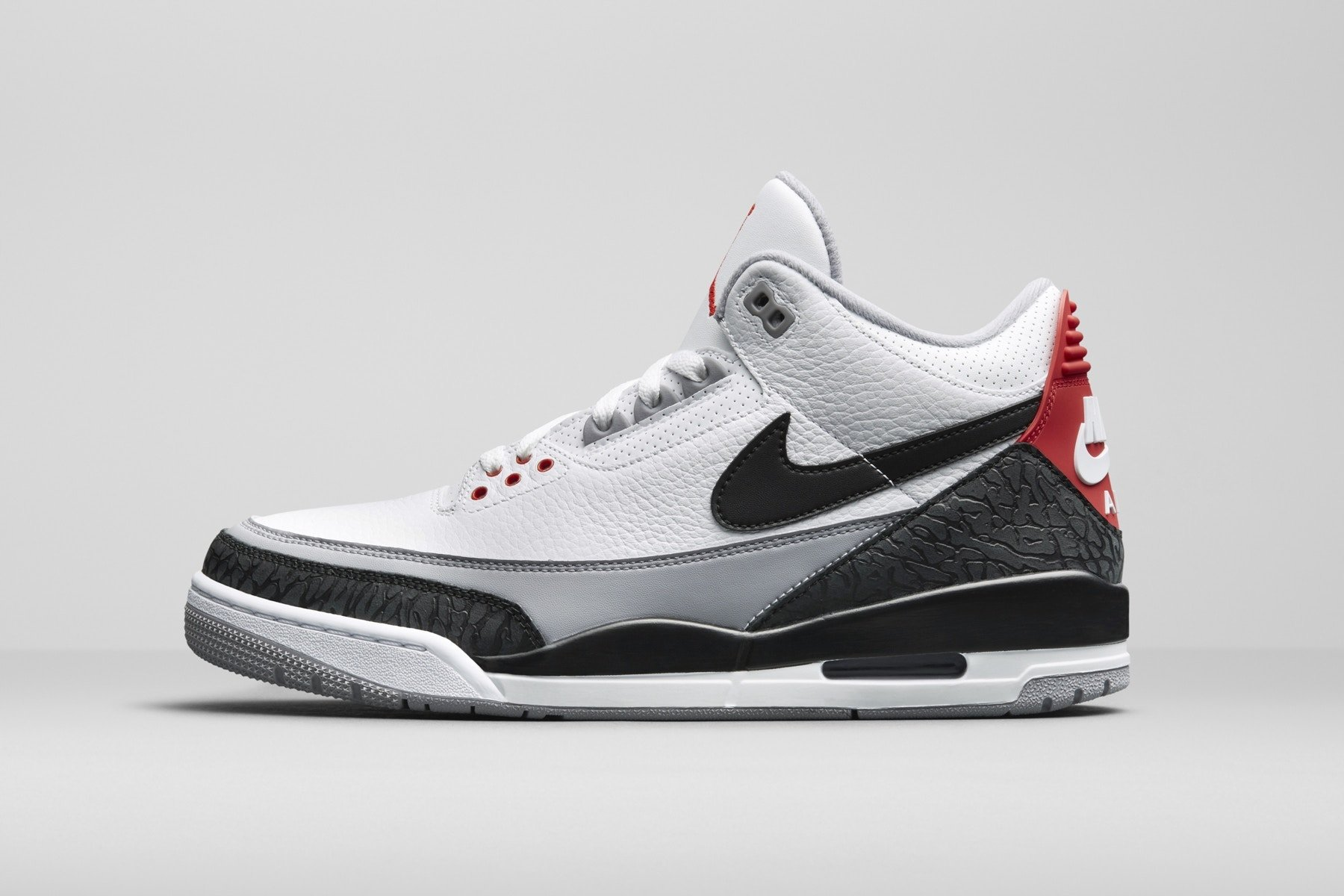 Nike Air Jordan III Tinker Basketball Schuh Snapchat Vorbestellung grau weiß rot