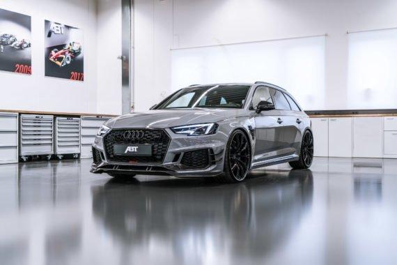 Kombi Audi RS4R ABT Felgen Lufteinlässe Halle
