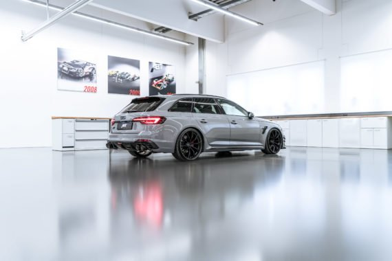 Audi RS4-R Abt Felgen Sportauspuffanlage Leuchtstoffröhren