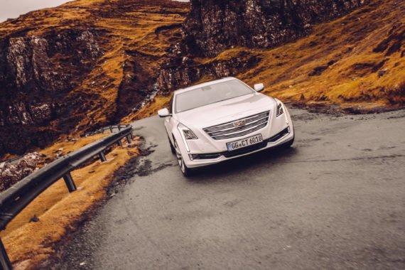 Cadillac CT6 Moving