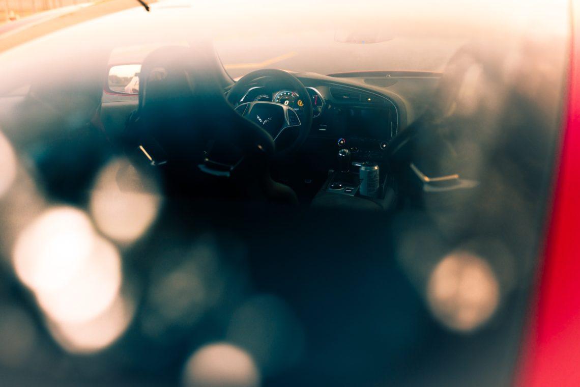 Chevrolet Corvette Grand Sport Innenraum Reflektionen Bokeh Lenkrad